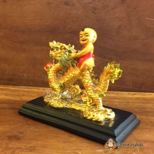 Qui Yong riding Dragon